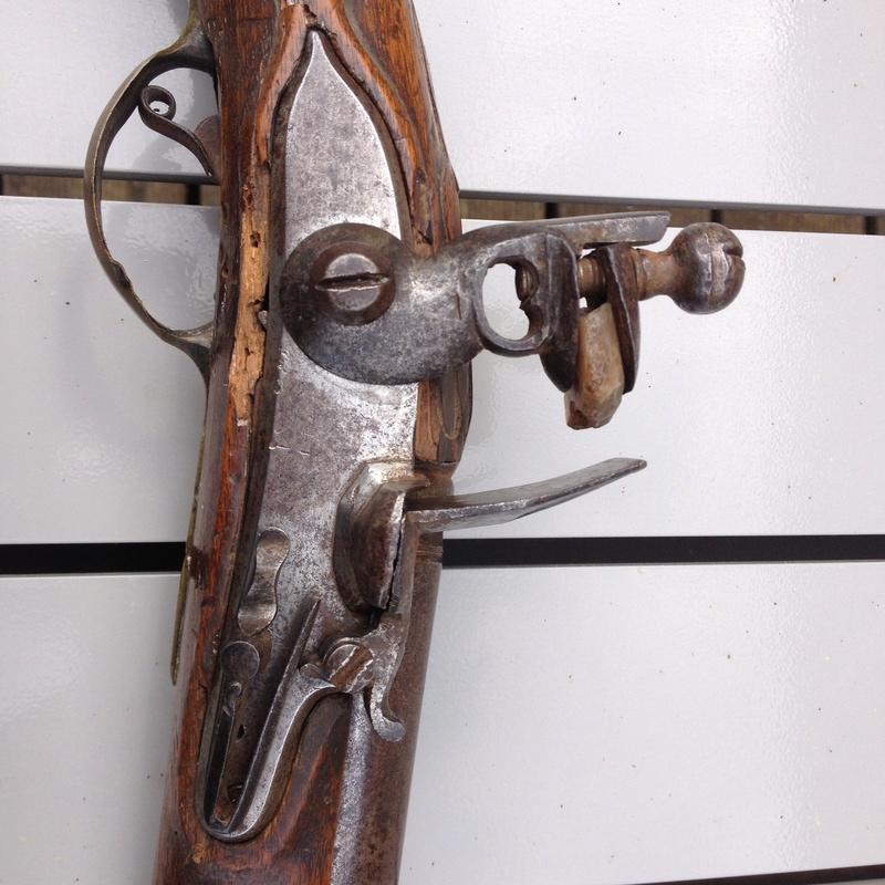 pistolet d'arçon fabrication première moitié XVIII... peut-être germanique... ou pas! - Page 2 Img_1020