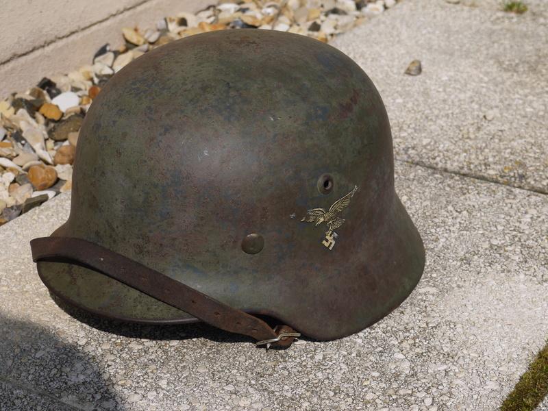 M35 Luftwaffe aigle 1 er type cam 2 tons Le frère du tien Bruenor! P1050420