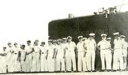Souvenez vous : 1970 - 57 sous -mariniers périssent au large de Toulon Clip_i10