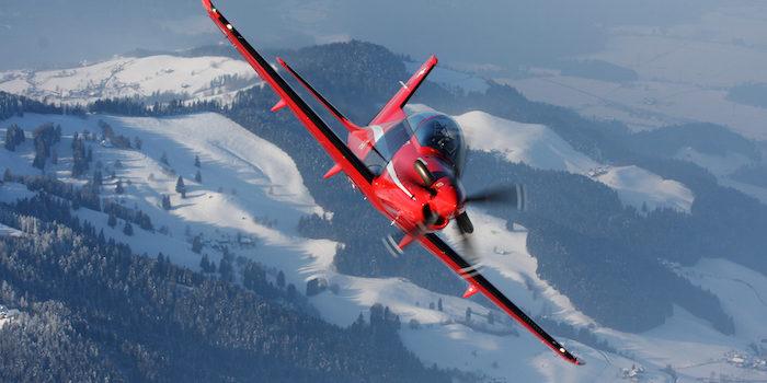 la formation des pilotes de chasse confiée au privé. Jpg_pi11