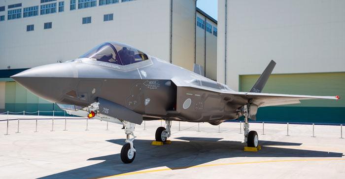 Le premier F.35 qui me jappe au nez! Lockhe11