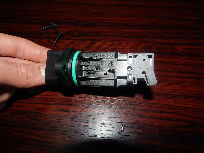[ BMW E46 320d M47 an 1998 ] Capteur ou débitmètre ? Dscn4212