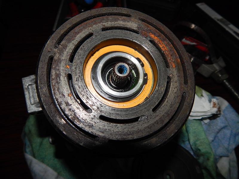 [ BMW E46 320d M47 an 1998 ] problème forte odeur clim (résolu) Dscn4510