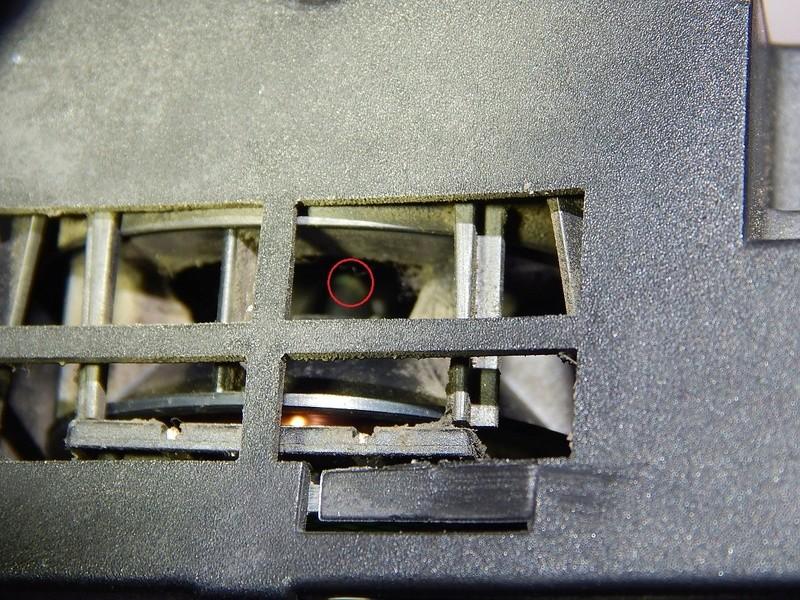 [ BMW E46 320D ] Capteur température habitacle (résolu) Dscn5010