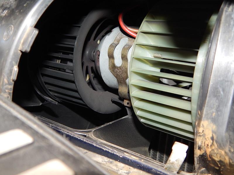[ BMW E46 320d M47 an 1998 ] Bruit clim  ( Résolu ) Dscn5023