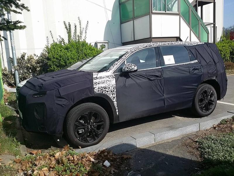 2018 - [Hyundai] Santa Fe IV 2018-h22
