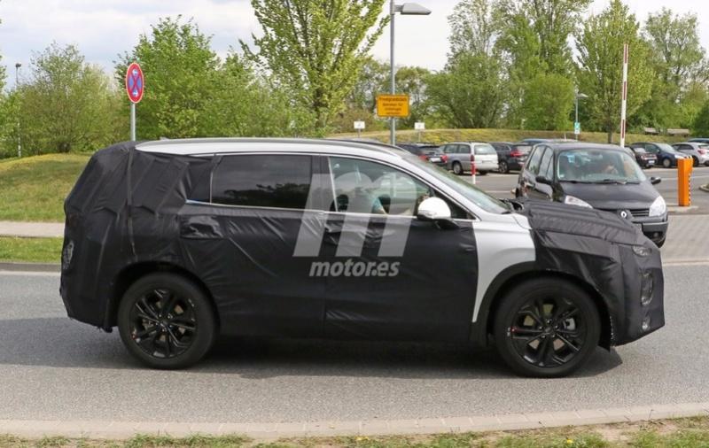 2018 - [Hyundai] Santa Fe IV Hyunda37