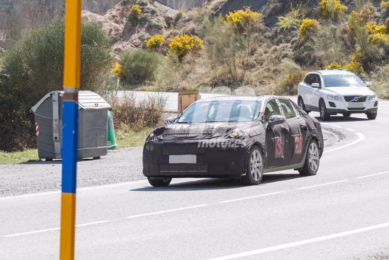 2018 - [Lynk&Co] 03 Sedan Lynk-c14