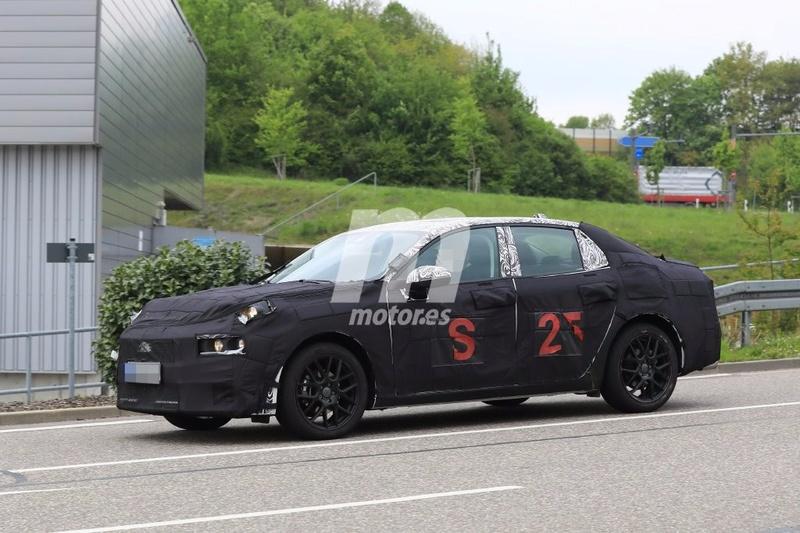 2018 - [Lynk&Co] 03 Sedan Lynk-c24