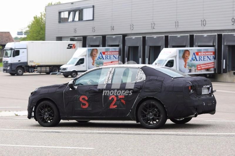 2018 - [Lynk&Co] 03 Sedan Lynk-c26