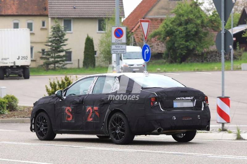 2018 - [Lynk&Co] 03 Sedan Lynk-c27