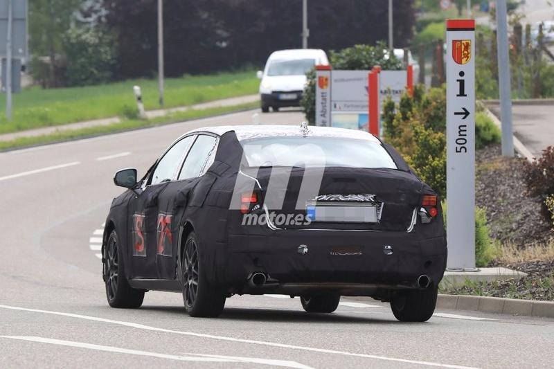 2018 - [Lynk&Co] 03 Sedan Lynk-c29
