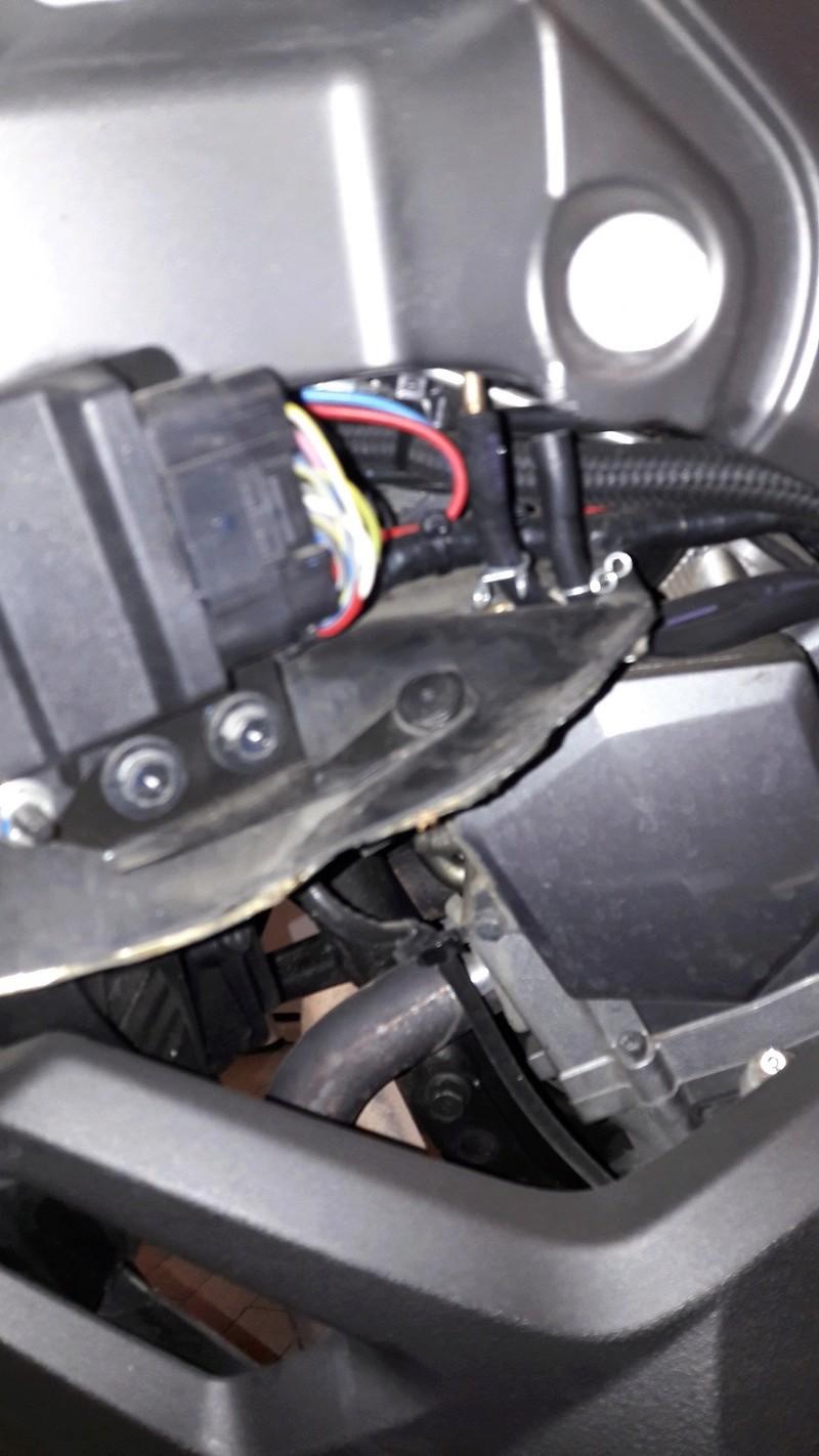 dépose du réservoir essence version ABS 20170321