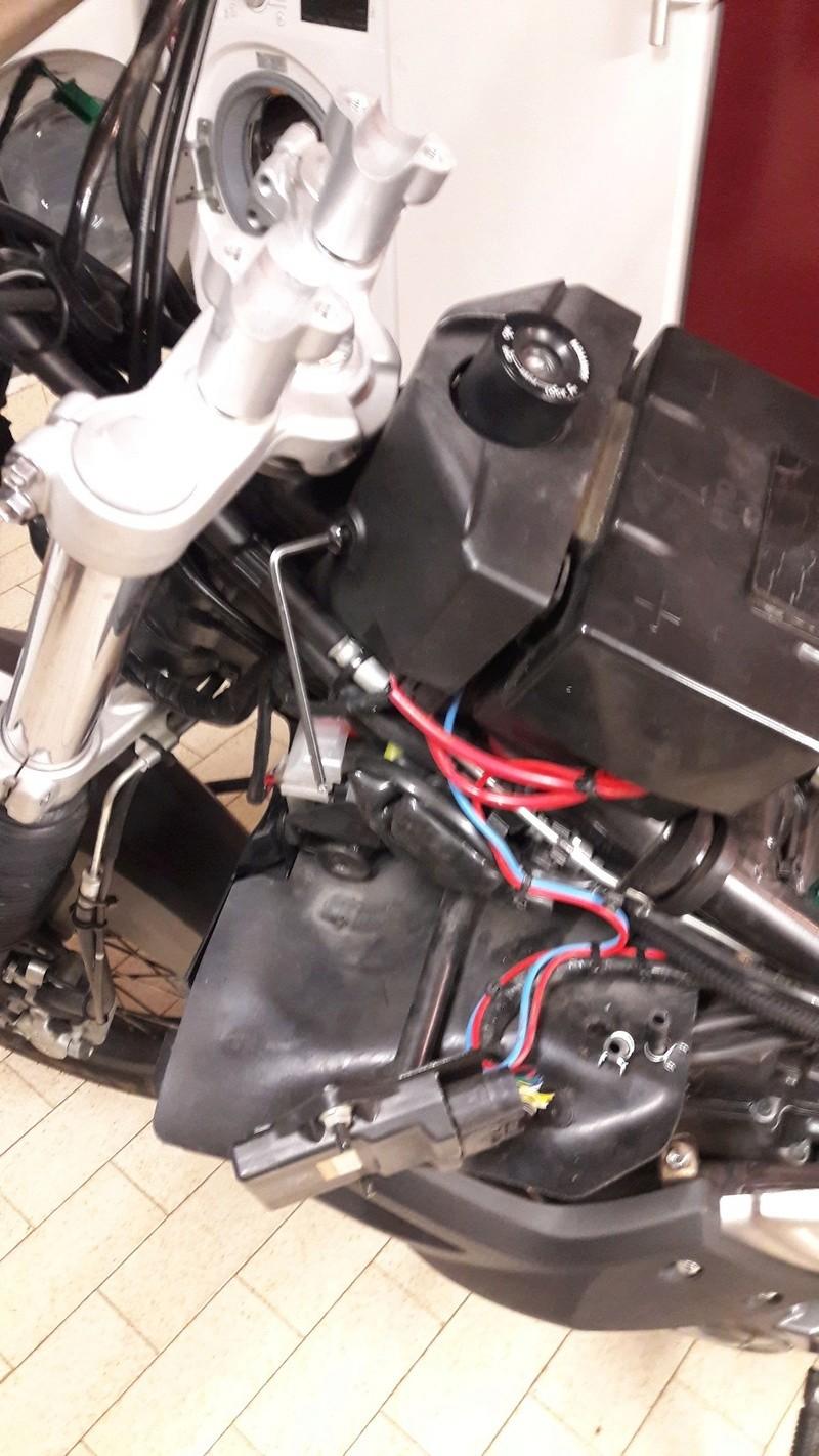 dépose du réservoir essence version ABS 20170325