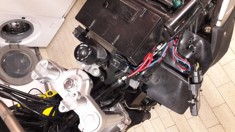 dépose du réservoir essence version ABS 20170329