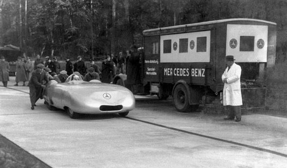 (AUTOMOBILISMO): 1936 - A Mercedes-Benz estabelece novo recorde de velocidade: 372,102 Km/h Image55