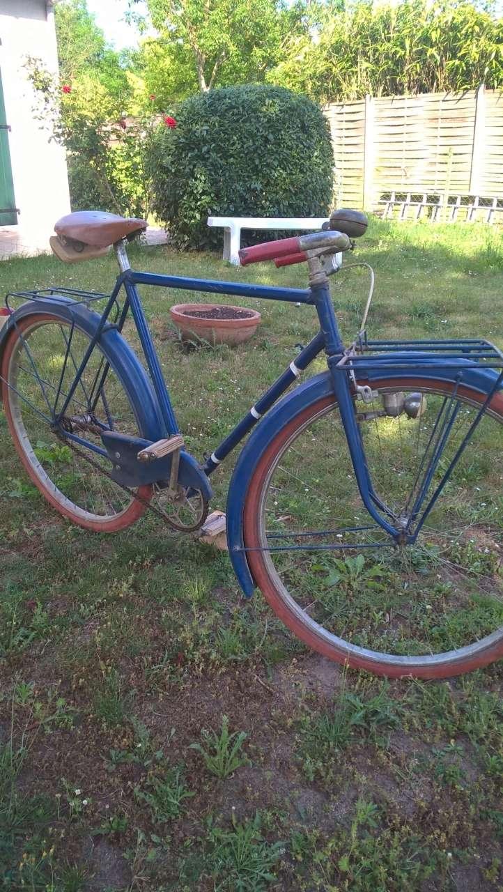 Vélo du facteur années 1930/1935 Ux4psg10