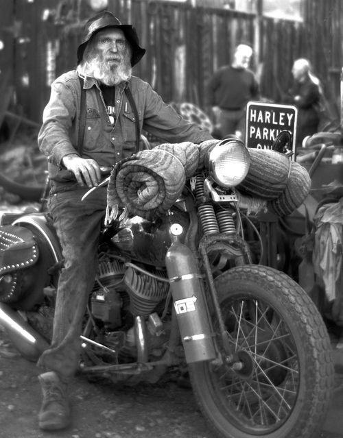 Biker et fier de l'être - Page 9 36d46910