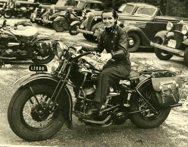 Vieilles photos (pour ceux qui aiment les anciennes photos de bikers ou autre......) - Page 12 Tumb1004