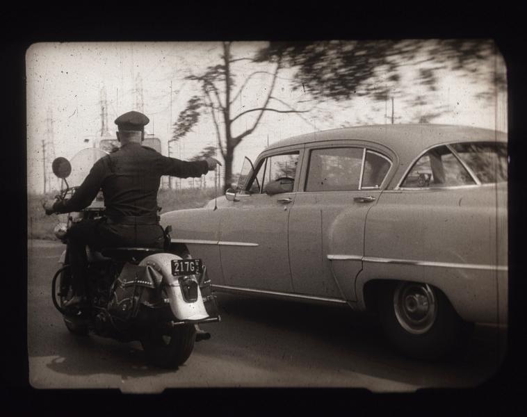 Vieilles photos (pour ceux qui aiment les anciennes photos de bikers ou autre......) - Page 12 Tumb1007