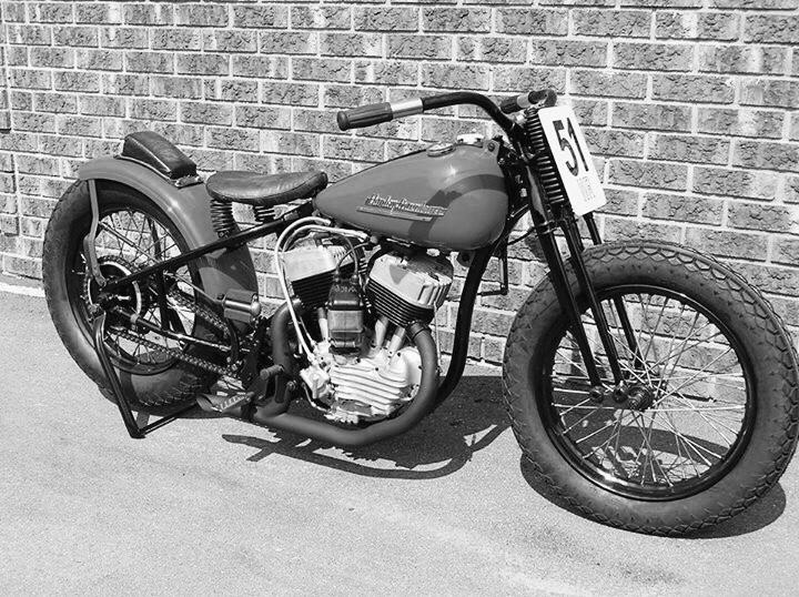 Vieilles photos (pour ceux qui aiment les anciennes photos de bikers ou autre......) - Page 12 Tumb1012