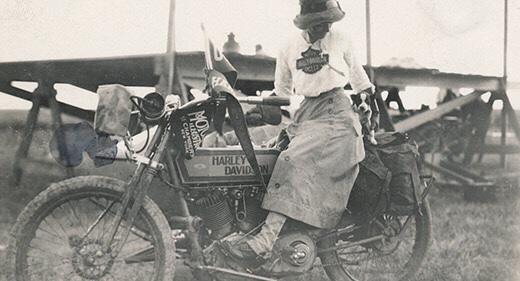 Vieilles photos (pour ceux qui aiment les anciennes photos de bikers ou autre......) - Page 12 Tumb1127