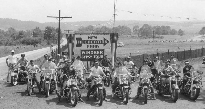 Vieilles photos (pour ceux qui aiment les anciennes photos de bikers ou autre......) - Page 12 Tumb1159