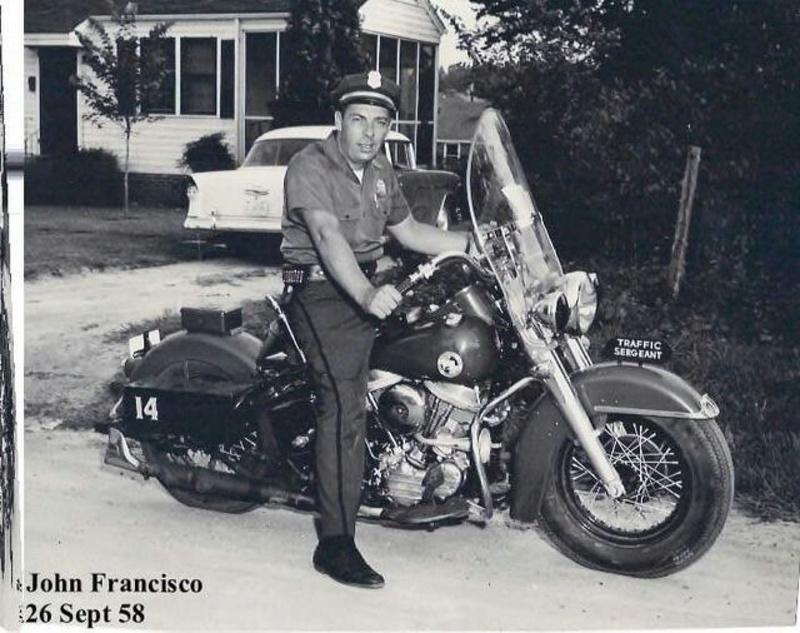 Vieilles photos (pour ceux qui aiment les anciennes photos de bikers ou autre......) - Page 12 Tumb1173