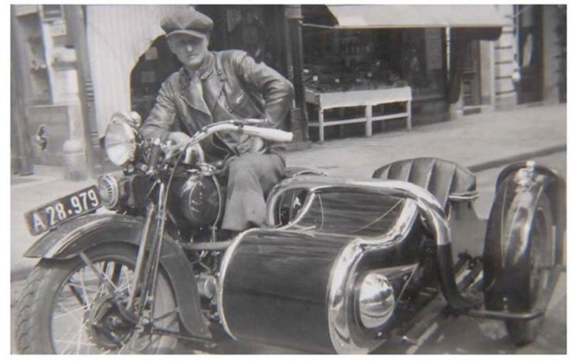 Vieilles photos (pour ceux qui aiment les anciennes photos de bikers ou autre......) - Page 12 Tumb1188