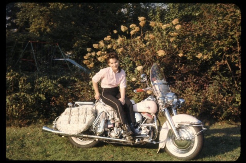 Vieilles photos (pour ceux qui aiment les anciennes photos de bikers ou autre......) - Page 12 Tumb1195