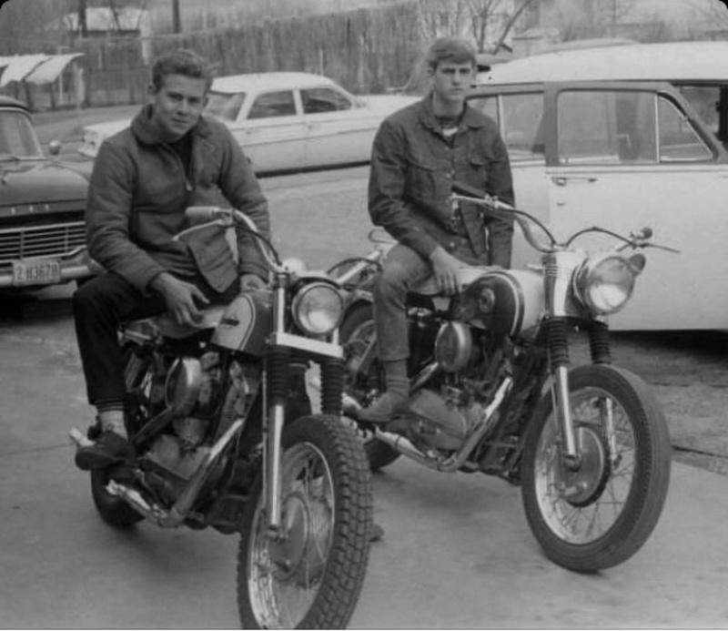 Vieilles photos (pour ceux qui aiment les anciennes photos de bikers ou autre......) - Page 13 Tumb1234