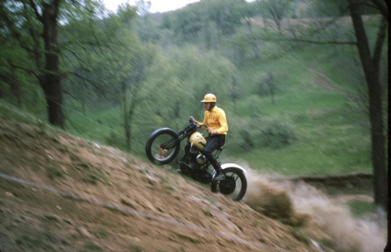 Vieilles photos (pour ceux qui aiment les anciennes photos de bikers ou autre......) - Page 13 Tumb1236
