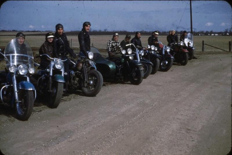 Vieilles photos (pour ceux qui aiment les anciennes photos de bikers ou autre......) - Page 13 Tumb1242