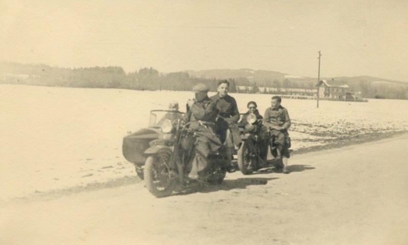 Vieilles photos (pour ceux qui aiment les anciennes photos de bikers ou autre......) - Page 13 Tumb1279