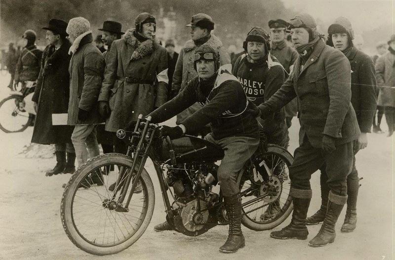 Vieilles photos (pour ceux qui aiment les anciennes photos de bikers ou autre......) - Page 13 Tumb1287