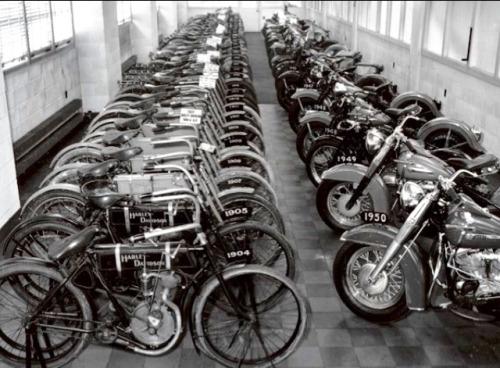 Vieilles photos (pour ceux qui aiment les anciennes photos de bikers ou autre......) - Page 11 Tumbl850