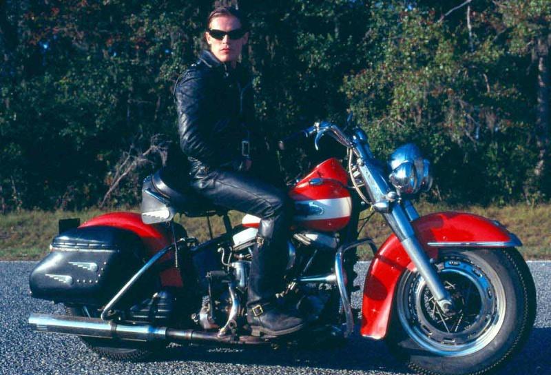 Vieilles photos (pour ceux qui aiment les anciennes photos de bikers ou autre......) - Page 11 Tumbl907