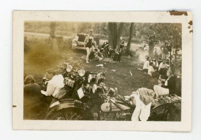 Vieilles photos (pour ceux qui aiment les anciennes photos de bikers ou autre......) - Page 11 Tumbl910