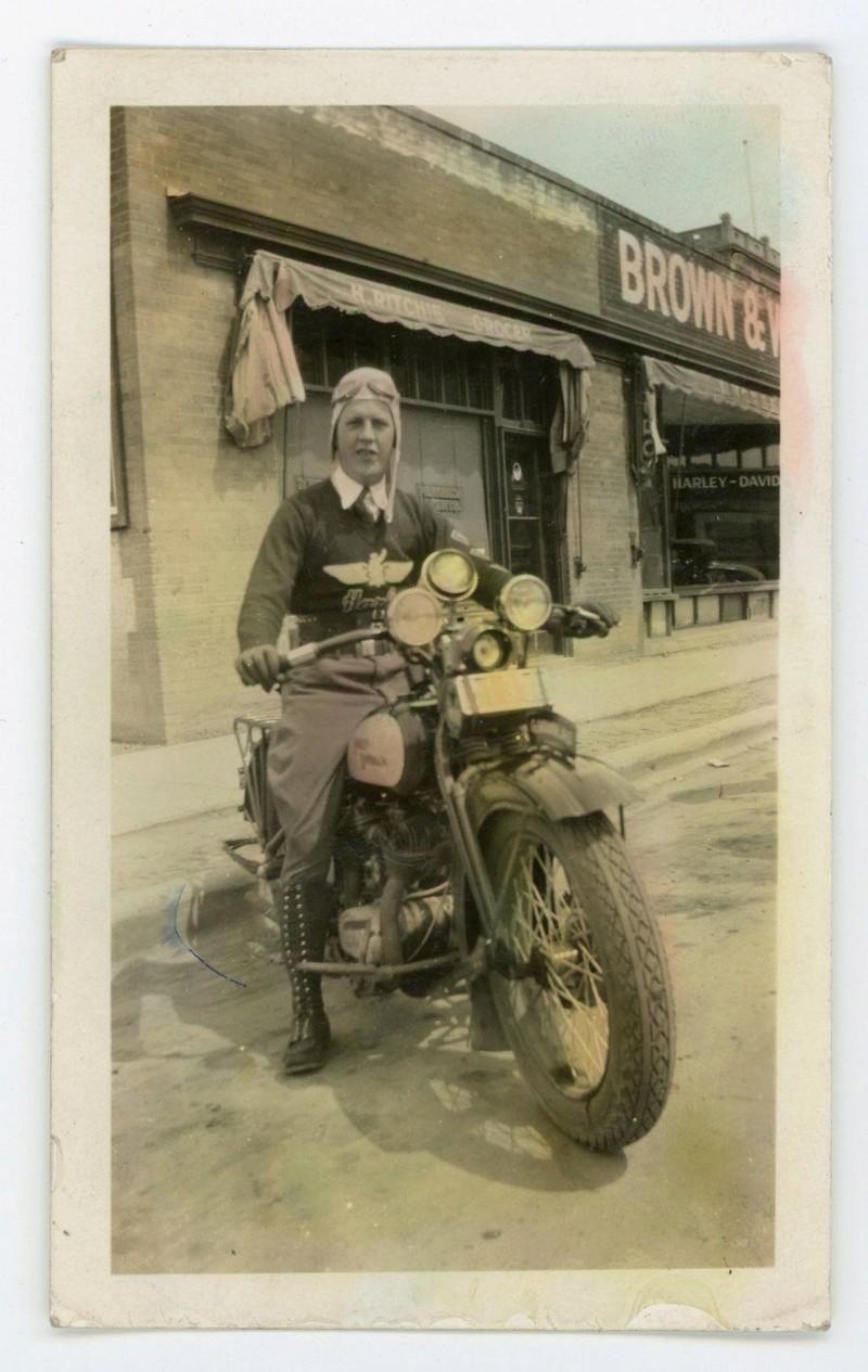 Vieilles photos (pour ceux qui aiment les anciennes photos de bikers ou autre......) - Page 11 Tumbl916