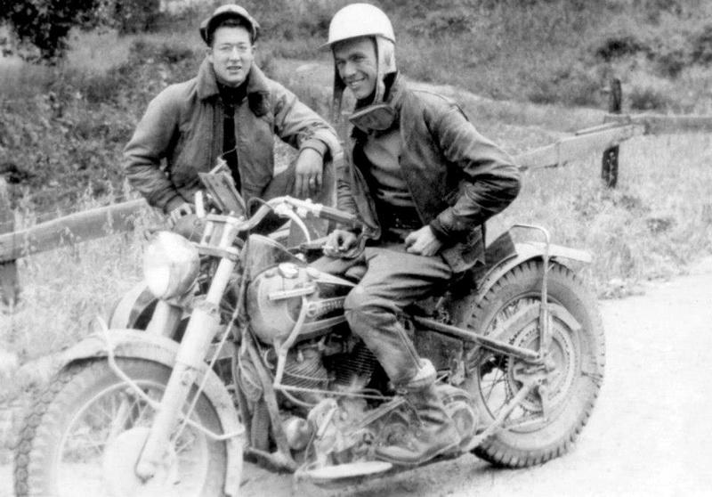 Vieilles photos (pour ceux qui aiment les anciennes photos de bikers ou autre......) - Page 11 Tumbl921
