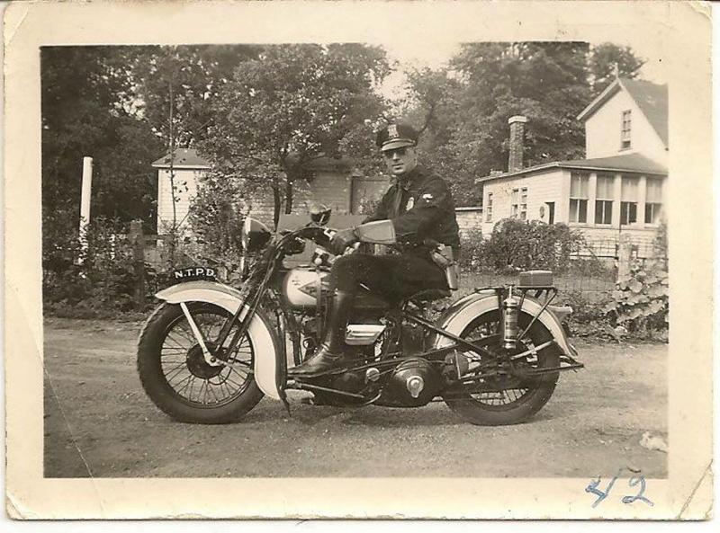 Vieilles photos (pour ceux qui aiment les anciennes photos de bikers ou autre......) - Page 11 Tumbl923