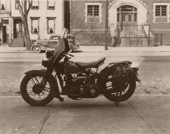Vieilles photos (pour ceux qui aiment les anciennes photos de bikers ou autre......) - Page 12 Tumbl959