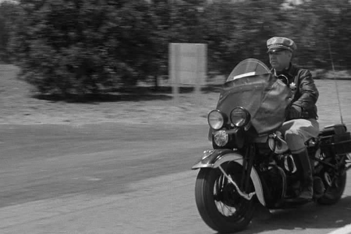 Vieilles photos (pour ceux qui aiment les anciennes photos de bikers ou autre......) - Page 12 Tumbl960