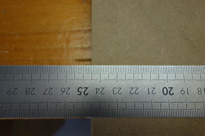 [Projet] Etagère destructurée pour CD - Page 2 Dsc01136