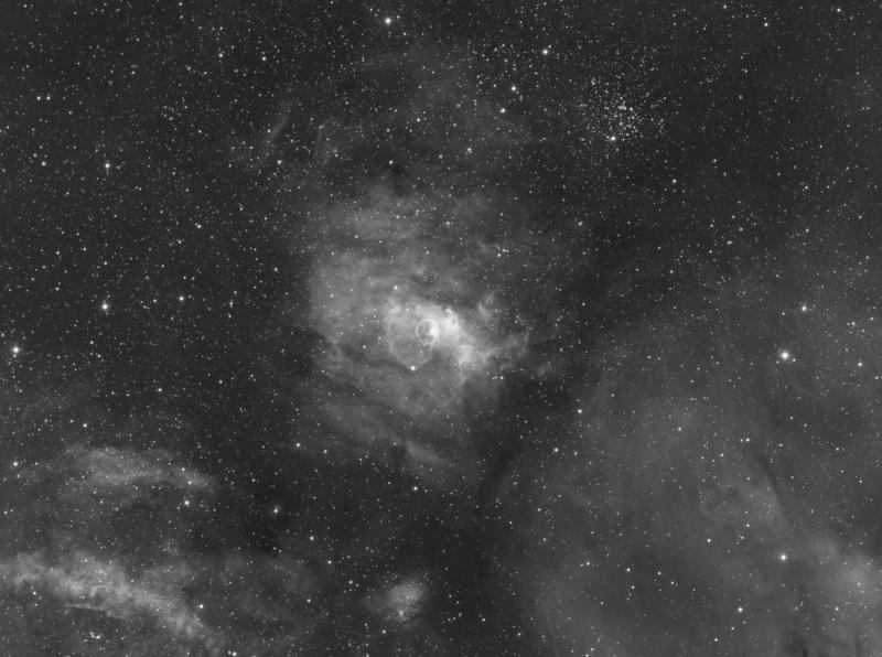 NGC7635 La bulle en Ha à la FSQ106 (13H) depuis Sirène Final-10