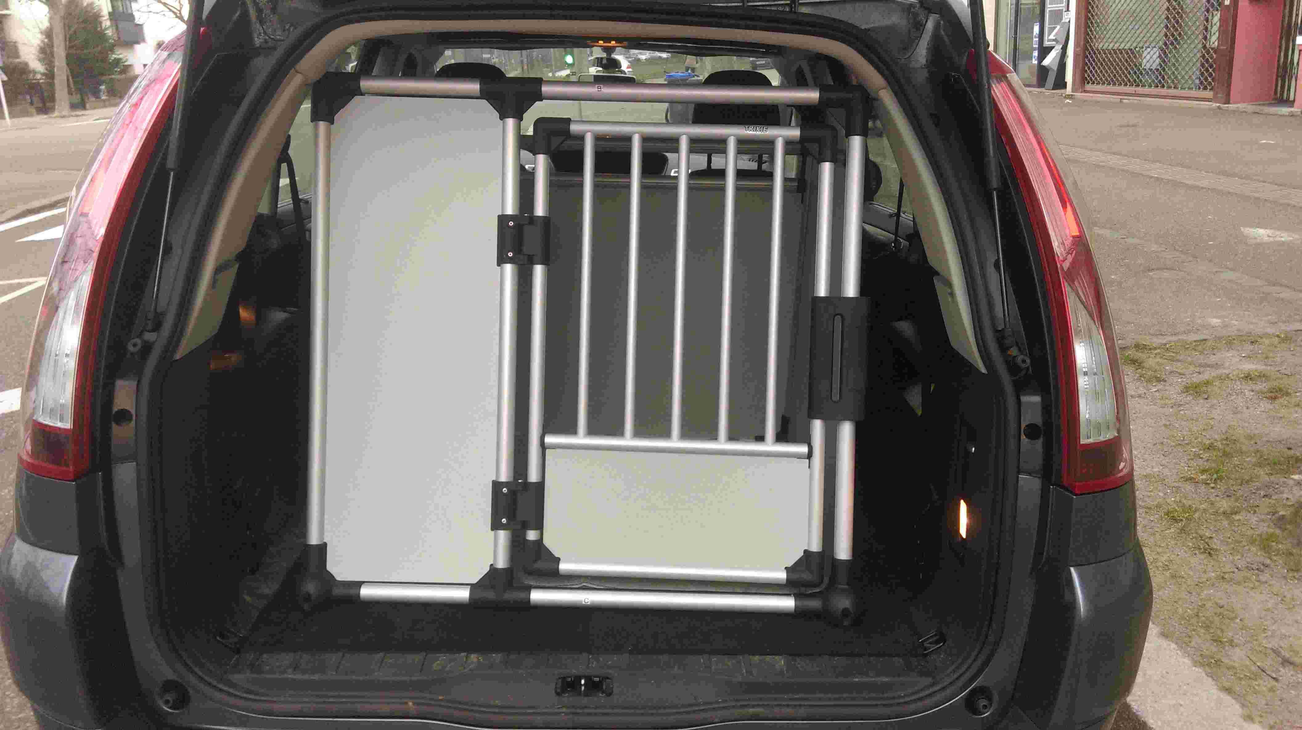 Choix de la cage/caisse de transport - Page 8 Imag0211