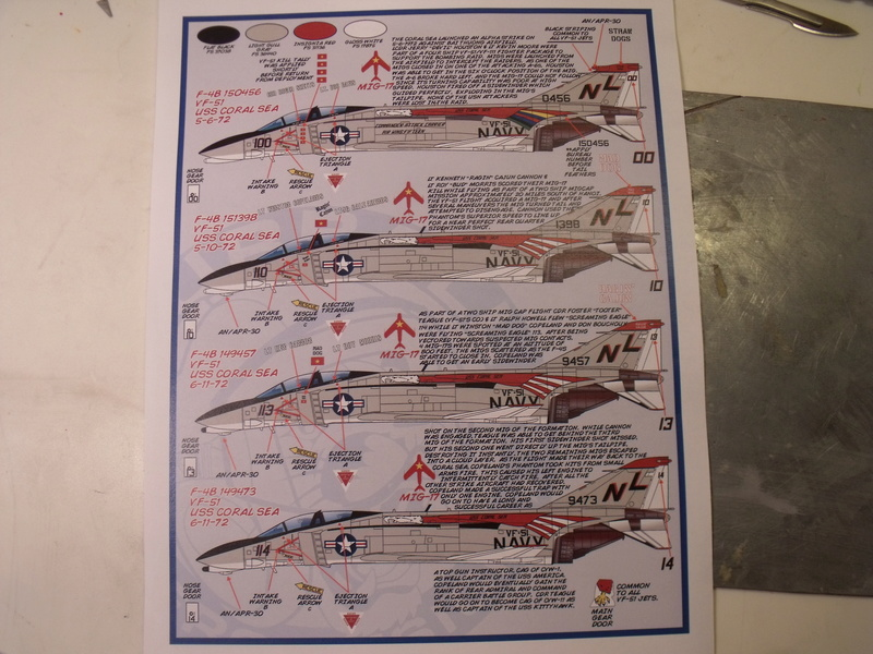 F-4 B Phantom 1/48° - VF-51 - 1972 - Début de patine. - Page 2 Dscf6718