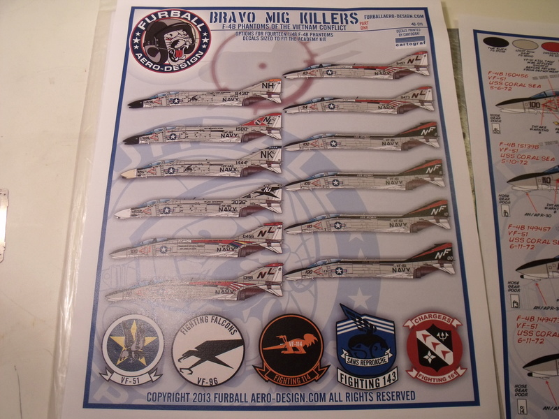 F-4 B Phantom 1/48° - VF-51 - 1972 - Début de patine. - Page 2 Dscf6719