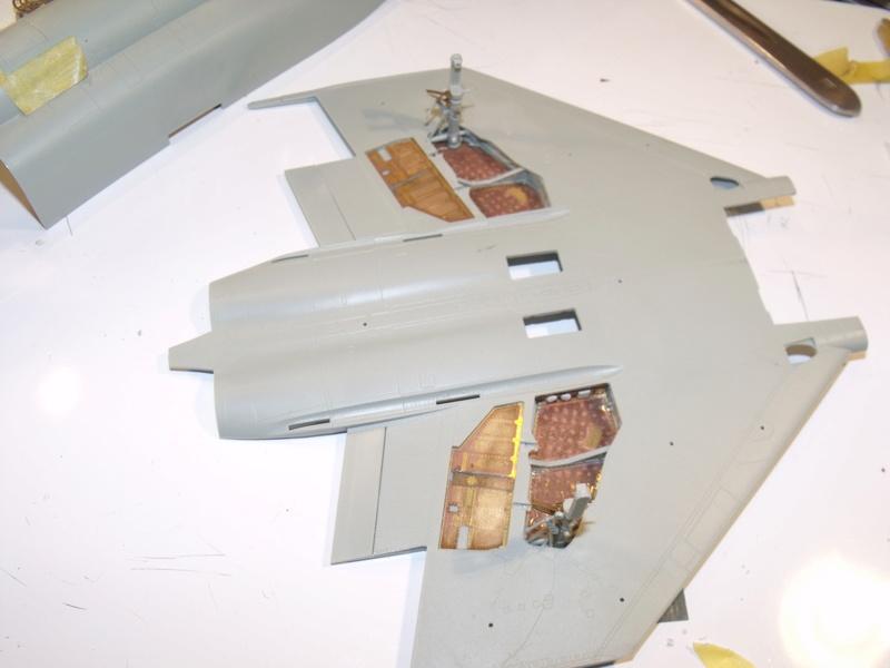 F-4 B Phantom 1/48° - VF-51 - 1972 - Début de patine. - Page 2 Dscf6919