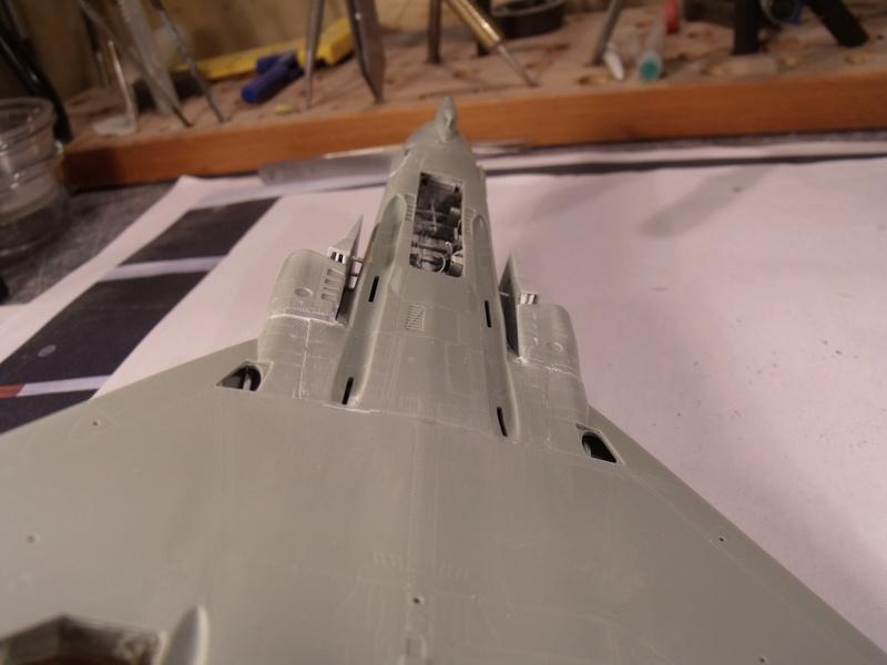 F-4 B Phantom 1/48° - VF-51 - 1972 - Début de patine. - Page 3 Dscf7015